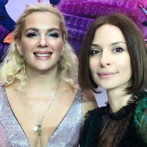 Подробнее: Мария Порошина появилась в шикарном платье с декольте до пояса на фестивале в «Орленке»