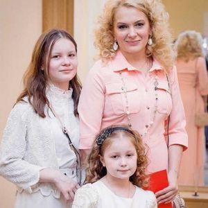 Подробнее: Младшая дочка Марии Порошиной растет настоящей артисткой