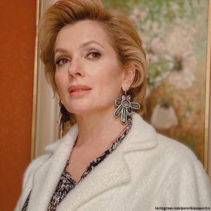 Подробнее: Мария Порошина рассказала, как вместо волос у нее остался только ежик с редкими клочками