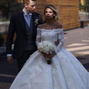 Подробнее: Интересные детали свадебной церемонии Никиты и Алены Пресняковых