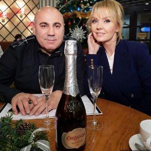 Подробнее: Иосиф Пригожин привез Валерию в Париж, чтобы отметить день рождения дочери