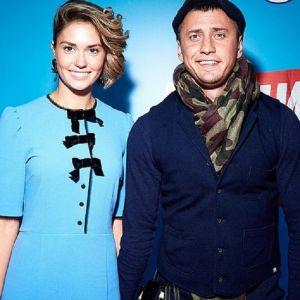 Подробнее: Больной Павел Прилучный  при поддержке жены появился на презентации комедии «Килиманджара»