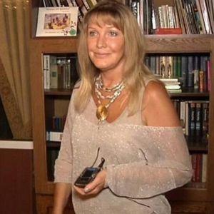 Подробнее: Елена Проклова получила ответ от обманутых жен