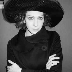 Подробнее: Ксения Раппопорт в роли пиковой дамы