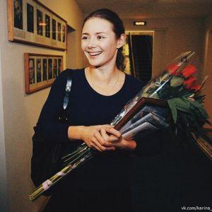 Подробнее: Карина Разумовская поссорилась с мамой из-за профессии