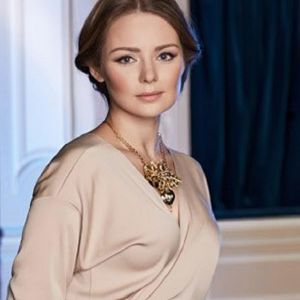 Подробнее: Карина Разумовская путешествует со своей любимой плюшевой совой Кларой