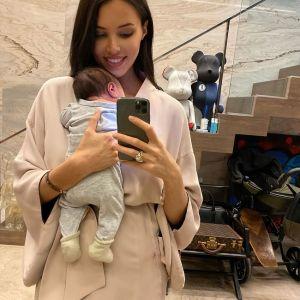 Подробнее: Анастасия Решетова тает на глазах после родов