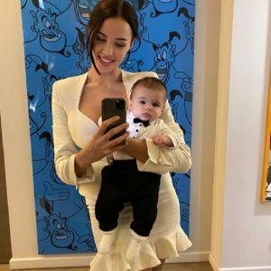 Подробнее: Анастасия Решетова решила научить плавать сына с пеленок
