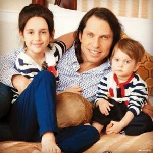 Подробнее: Александр Ревва признался, что планирует третьего ребенка