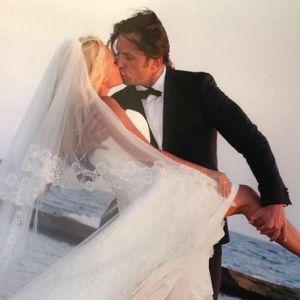 Подробнее: Александр Ревва отпраздновал десятилетний юбилей со дня свадьбы