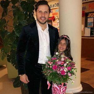 Подробнее: Старшая дочка Александра Реввы всерьез увлеклась бальными танцами