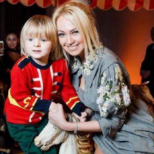 Подробнее: Яна Рудковская оправдалась за то, что лишила сына детства