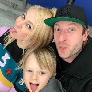 Подробнее: Публика возмущена неприличным поведением сына Яны Рудковской (видео)