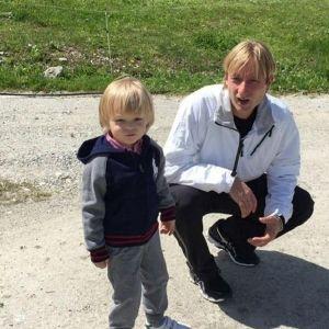 Подробнее: У сына Яны Рудковской и Евгения Плющенко появилась подружка модель