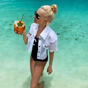 Подробнее: Яна Рудковская в купальнике продемонстрировала свою фигуру