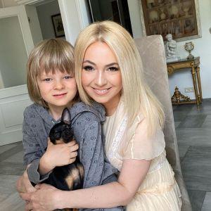 Подробнее: Яна Рудковская показала, как ее сын занимается балетом