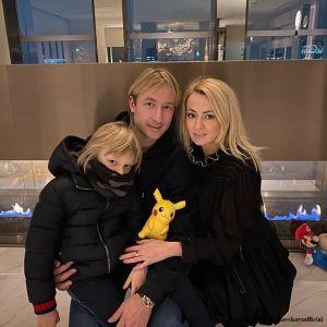Подробнее: Рудковская и Плющенко с сыном отправились на гастроли в Японию, прихватив медицинские маски