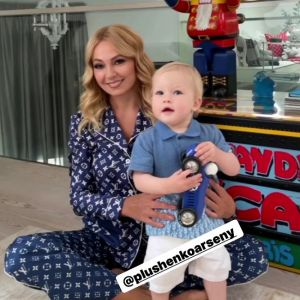 Подробнее: Яна Рудковская показала годовалого сына в его первый день рождения