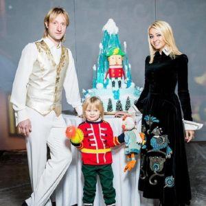 Подробнее: Скандал: Яне Рудковской пришлось доказывать, что Саша ее сын