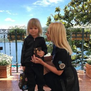 Подробнее: Яна Рудковская купила четырехлетнему сыну рюкзак за 200 тысяч рублей