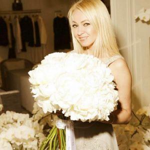 Подробнее:  Яна Рудковская повеселилась с подругами перед венчанием (видео)