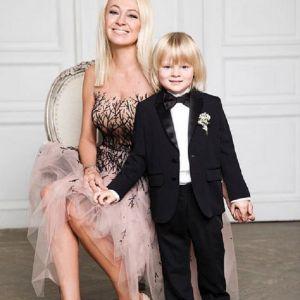 Подробнее: Яна Рудковская жестоко наказывает сына в воспитательных целях