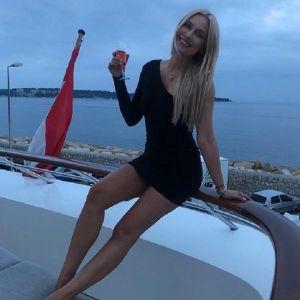Подробнее: Наталья Рудова рассказала, как работала посудомойкой