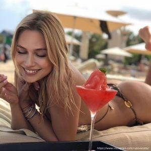 Подробнее: Наталья Рудова сфотографировалась обнаженной для мужского журнала