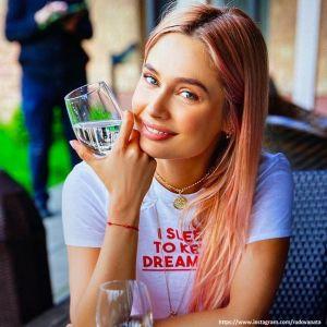 Подробнее: Наталья Рудова показала фото в купальнике, когда ей было 18 лет