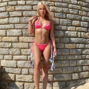 Подробнее: Наталья Рудова предстала в бикини из одних веревочек