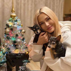 Подробнее: Наталья Рудова в купальнике продемонстрировала свои прелести