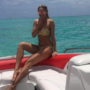 Подробнее: Наталья Рудова соблазняет в купальнике