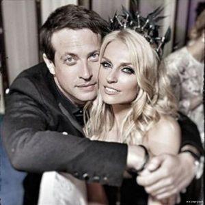 Подробнее: Саша Савельева поздравила мужа с днем рождения в постели