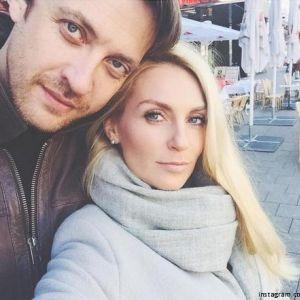 Подробнее: Кирилл Сафонов и Саша Савельева справили свадьбу не один раз