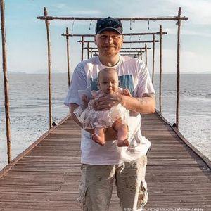 Подробнее: Сергей Сафронов показал десятимесячную дочь