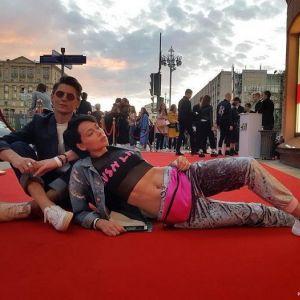 Подробнее: Настасья Самбурская поставила ультиматум друзьям из-за Андрея Малахова