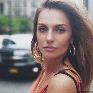 Подробнее: Саша Савельева покинула группу «Фабрика»