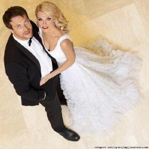 Подробнее: Савельева и Сафонов поздравили друг друга с девятой годовщиной свадьбы