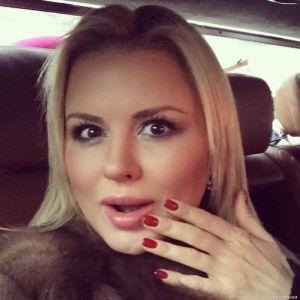 Подробнее: Анна Семенович променяла русского бизнесмена на швейцарского