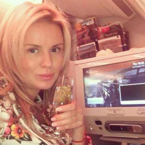 Подробнее: Анна Семенович боится показывать своего мужчину