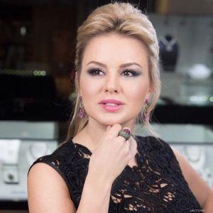 Подробнее: Анна Семенович показала свою «полную» фигуру