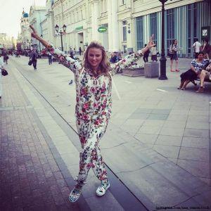 Подробнее: Анна Семенович  любит проводить время в ночных клубах