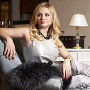 Подробнее: Анну Семенович едва узнали без косметики