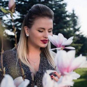 Подробнее: Анна Семенович отдыхает в санатории вместе с родителями