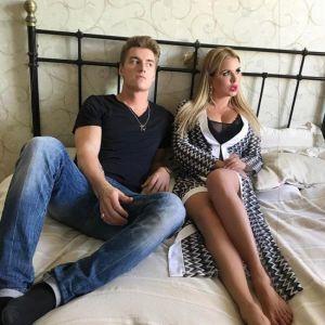 Подробнее: Анна Семенович врезала сковородкой Алексею Воробьеву
