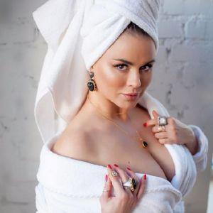 Подробнее: Анна Семенович: «срочно родить детей и выйти замуж!»