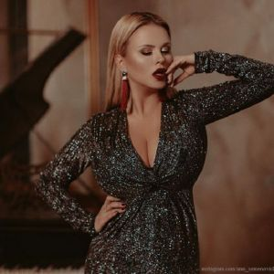 Подробнее: Анна Семенович показала, откуда у нее такая большая грудь