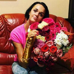 Подробнее: Певица Слава призналась, что не чувствует руку после операции