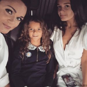 Подробнее: Певица Слава устроила побег 21-летней дочери из объятой эпидемией Франции