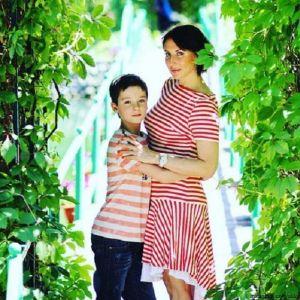 Подробнее: Алика Смехова вывезла свое семейство в санаторий
